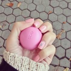 Бальзам для губ EOS Strawberry Sorbet Клубничный щербет