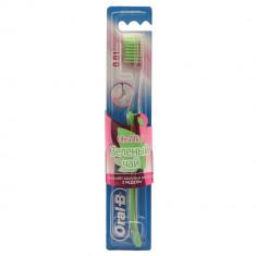 Oral-B Зубная щетка UltraThin Зеленая чай экстра мягкой жесткости